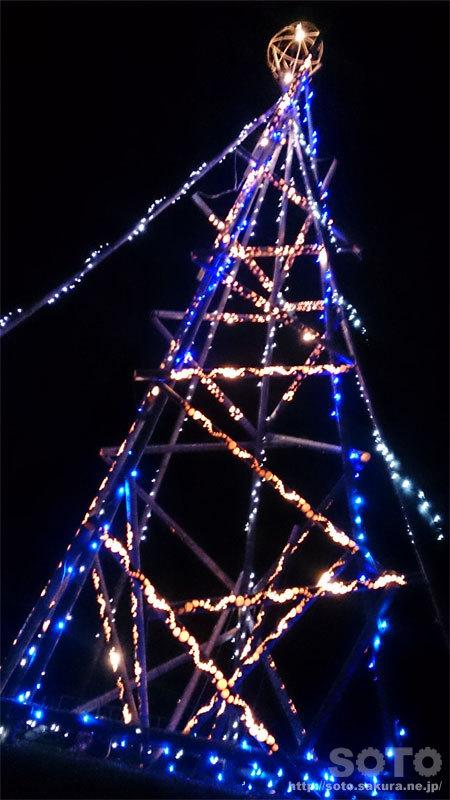 竹のクリスマスツリー