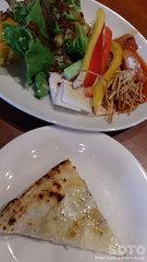 クッチーナ(サラダバーとピザ)