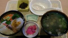 道の駅『十三湖高原』のミニ海鮮丼としじみ汁のセット