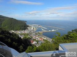 国後展望台からの眺め(羅臼漁港)