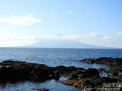 礼文島から見た利尻富士(朝)