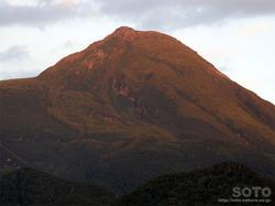 夕暮れの羅臼岳