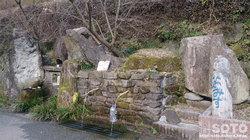 岳間の湧水(1)