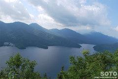 東雲湖トレッキング(然別湖を一望)