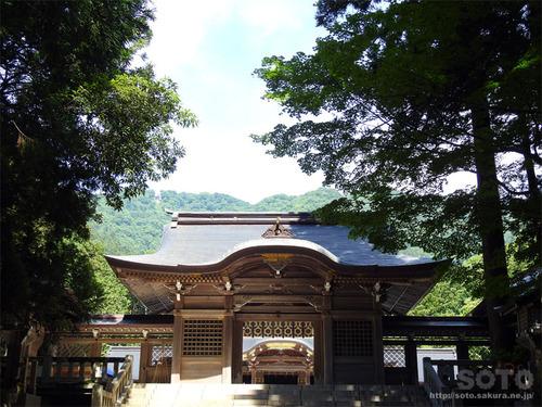 弥彦神社(楼門)