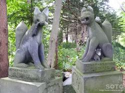 千歳神社(狛狐)