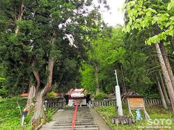 御座石神社(2)