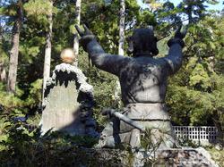 出雲大社(むすびのご神像)