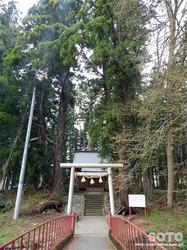 観音寺そばの神社
