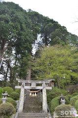 鉾納社(鳥居)