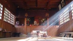 揺ヶ池神社の中