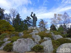 三峯神社(日本武尊銅像)