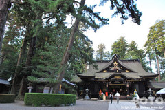 香取神宮(拝殿と三本杉)