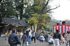 水屋神社(投げ餅2)