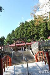 金蛇水神社(橋〜拝殿へ)