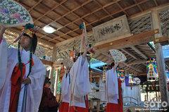 水屋神社(舞い1)