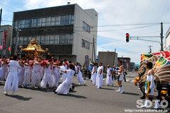 羽幌神社例大祭(本神輿と獅子・1)