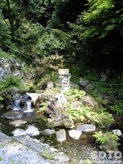 泉神社(湧水)