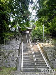 泉神社(参道)