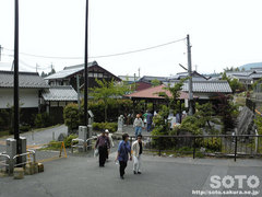 泉神社(湧水汲み場)