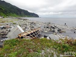 知床岬に続く海岸