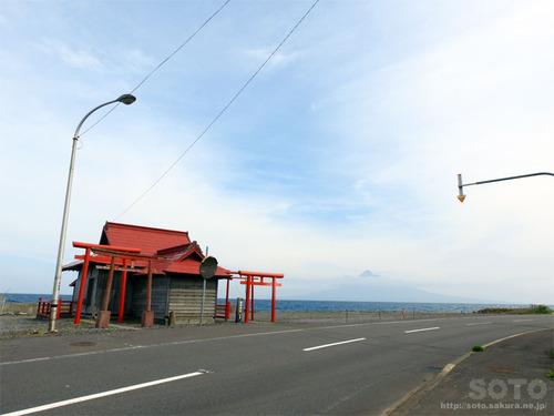 見内神社と利尻富士