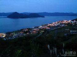 洞爺湖展望台(洞爺湖温泉街の夜景)