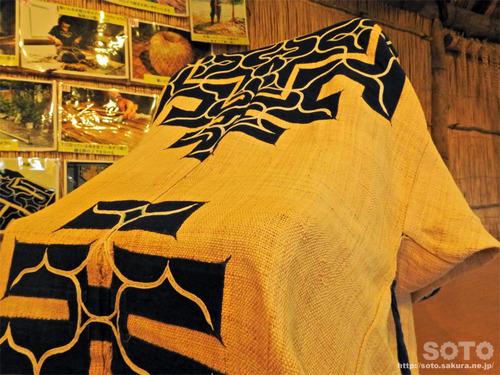 二風谷 チセ(織物)