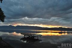 屈斜路湖・砂湯(夕陽)