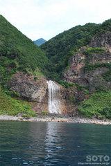 知床観光船(湯の滝)