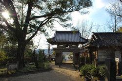 日輪寺(楼門の内側)