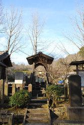 日輪寺(遺髪塔)