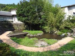 富くじ六花園(川遊び)