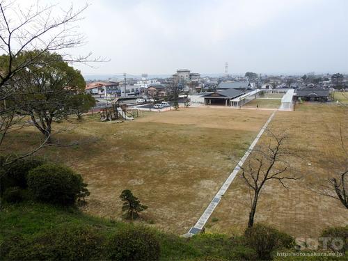 菊池市民広場を見下ろす