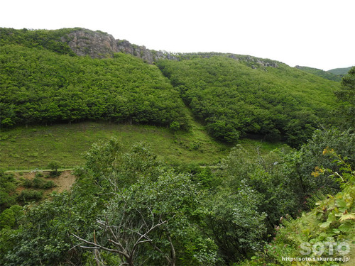 硫黄山(落石の跡)