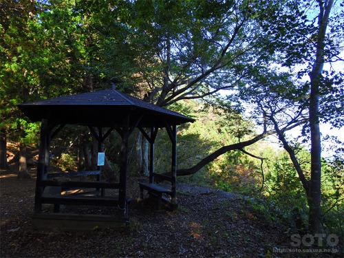 嵩山(東屋04)