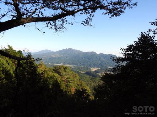 嵩山(東屋04からの眺め)