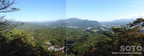 嵩山(鎖場03からの眺め)