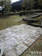 山小屋の庭(1)